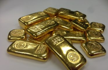 Market Watch: There's a Simple Reason That Gold is Falling Along with Coronavirus-afflicted Global Stocks